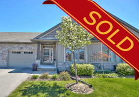 St. Catharines, L2M 0B3, 2 Bedrooms Bedrooms, ,2 BathroomsBathrooms,Condo,Sold,32 Blossom Common,1013