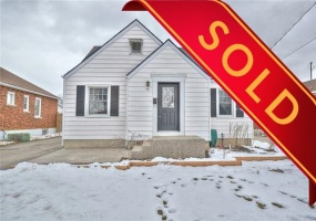 Thorold, L2V 3C6, 3 Bedrooms Bedrooms, ,1 BathroomBathrooms,Detached,Sold,46 Rose Avenue,1035
