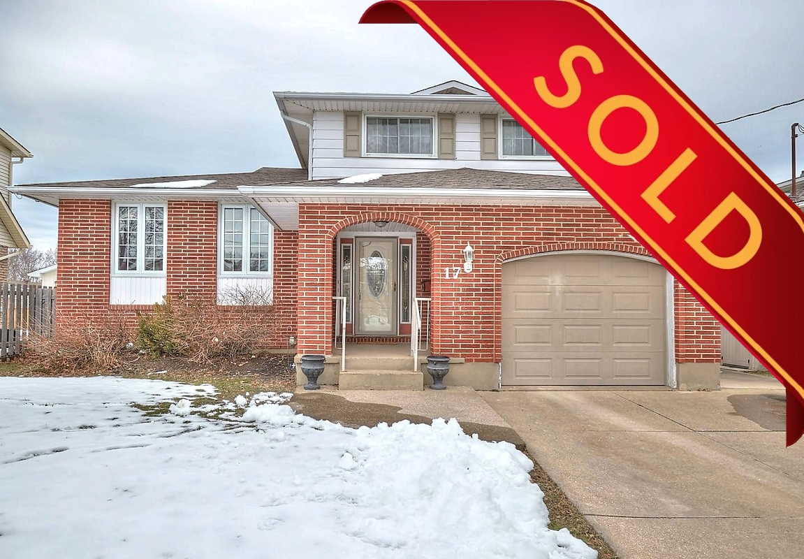 St. Catharines, L2P 3K9, 4 Bedrooms Bedrooms, ,2 BathroomsBathrooms,Detached,Sold,17 Stonegate Drive,1036