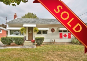 St. Catharines, L2M 4A6, 3 Bedrooms Bedrooms, ,1 BathroomBathrooms,Detached,Sold,34 Dunkeld Avenue,1042