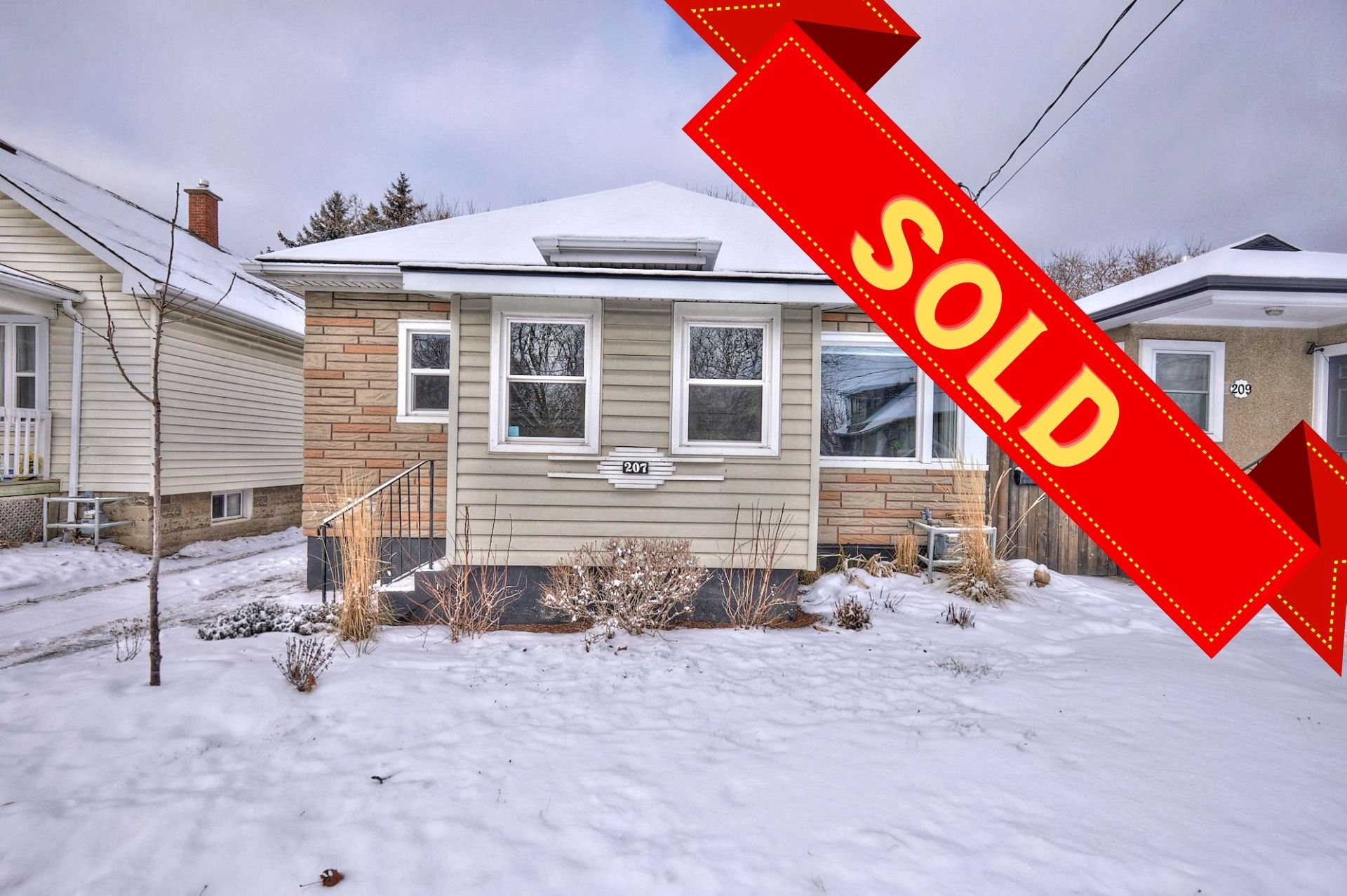 St Catharines, L2M 4V3, 3 Bedrooms Bedrooms, ,2 BathroomsBathrooms,Detached,Sold,207 Niagara Street,1068