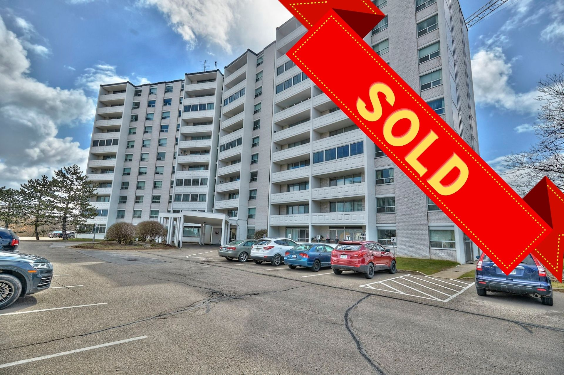 St. Catharines, L2T 3G9, 1 Bedroom Bedrooms, ,1 BathroomBathrooms,Condo,Sold,705-35 Towering Heights BLVD,1069